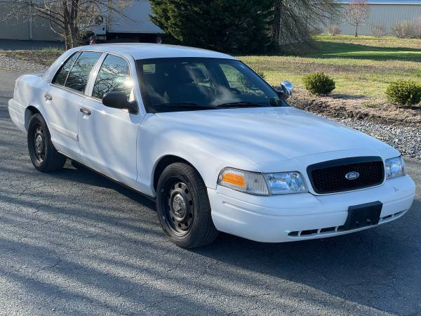 Photo 2010 Ford Crown Victoria Police Interceptor - $4,970 (Spotsylvania)