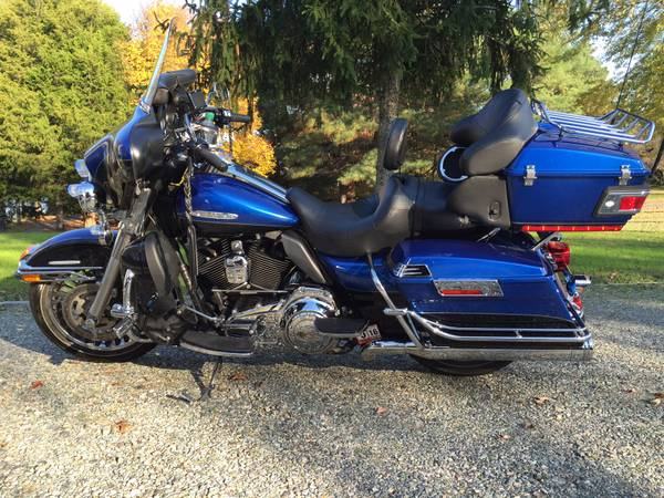 Photo 2010 Harley Ultra Classic Limited - $7,500 (Saluda, Va)