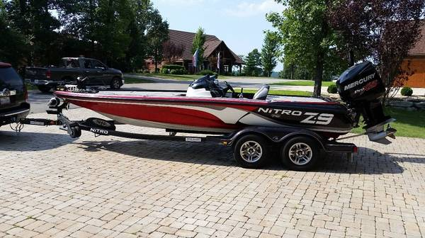 Photo 2013-Nitro garage-stored and meticulously maintained bass boat dwd - $23300