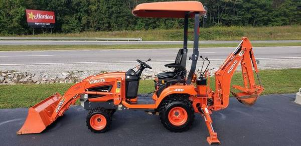 Photo 2017 Kubota BX25D 4WD Tractor, Loader, Backhoe - $15,999 (LaCrosse)