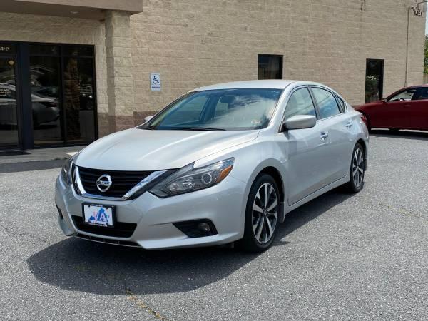 Photo 2017 Nissan Altima 2.5 SR - $16,950 (Harrisonburg, VA)