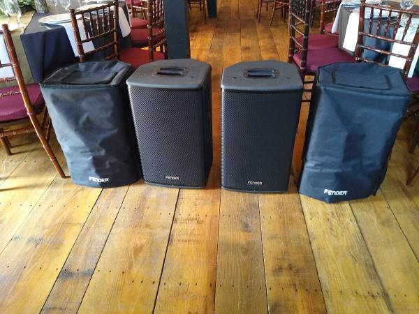 Photo (2) Fender Pro Audio 12quot Powered Speakers DJ Band PA Like New - $50 (Unionville)
