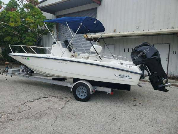 Photo Boston Whaler 20 Dauntless 2011 a very versatile boat great for fishin - $18650 (Works Great)