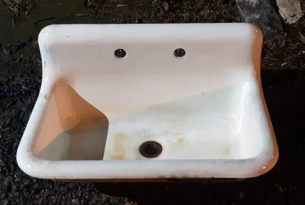 Photo Cast Iron Trough Sink With Wall Brackets - $225 (Henrico)