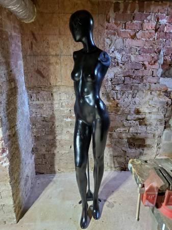 Photo Female Mannequin (Full Body) - $85 (Louisa)