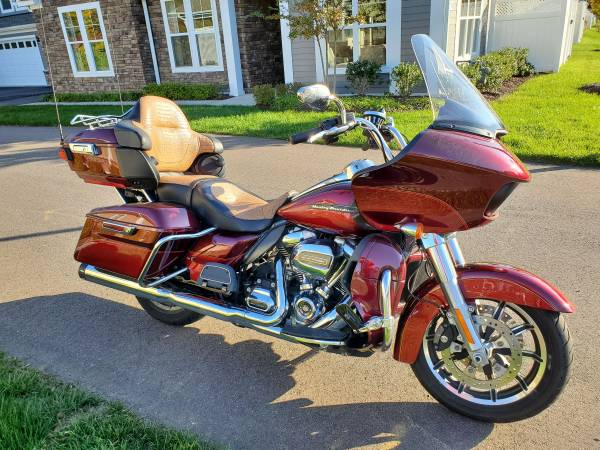 Photo Gorgeous 2017 Road Glide Ultra - $19,900 (Midlothian)