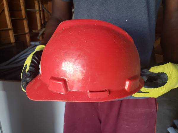 Photo Hard hat, utility belt (Richmond)