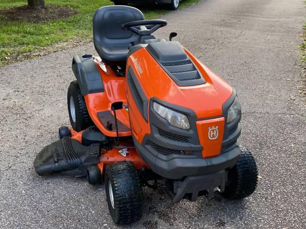 Photo Husqvarna YTH24v48 48-in Riding Lawn Mower - $1,600 (Mechanicsville)
