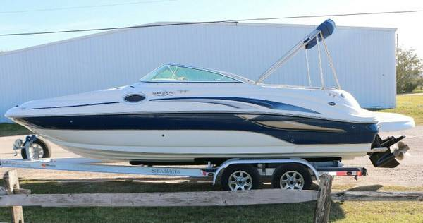 Photo It Has All The Features 2003 Sea Ray 240 Sundeckkm - $10,000 (Highland Springs)