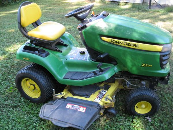 Photo John Deere X324 ALL WHEEL STEER LAWN TRACTOR - $1,575 (NORTH CHESTERFIELD)