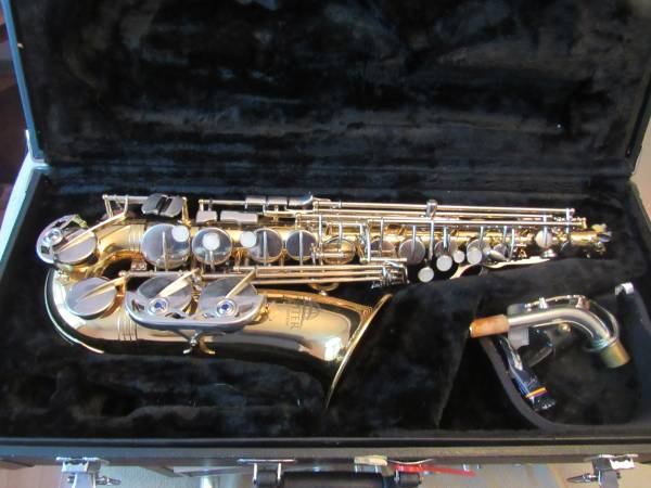 Photo Jupiter Capital alto saxophone in excellent condition with case - $625 (Midlothian)