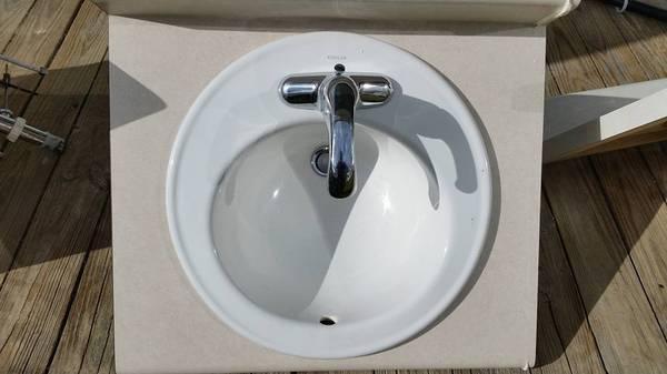 Photo Kohler 19quot diameter bathroom vanity sink  SS7NLGF with Delta faucets (Dinwiddie County)