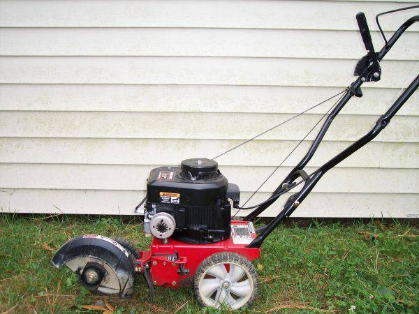Photo Lawn Edgers - $120 (Chesterfield)