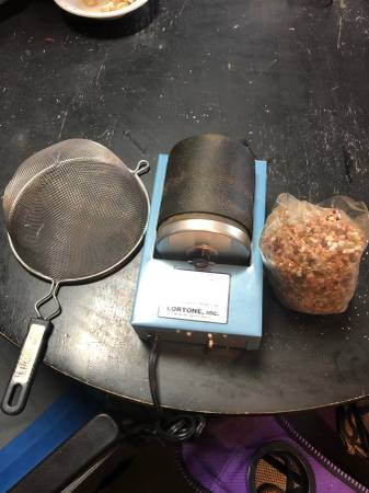 Photo Lortone 3a Rock Tumbler - $70 (Midlothian)