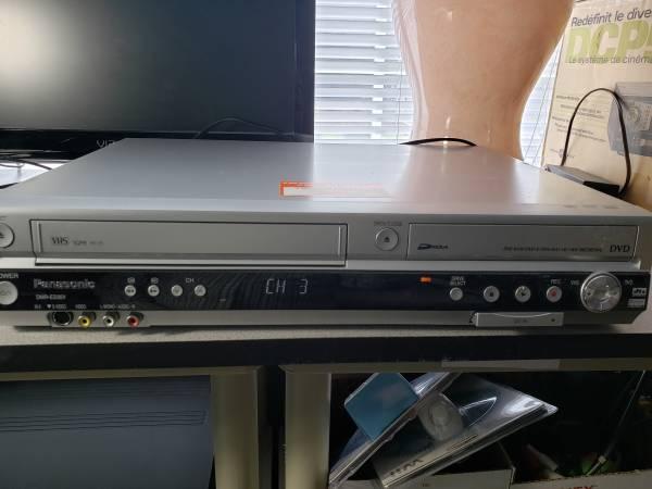 Photo Panasonic dvd recorder vhs vcr model dmr ES35V - $70 (richmond)