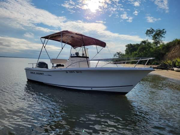 Photo Sea Hunt fishing boat 20 foot 115 Yahama - $18,500 (Locust Hill VA)