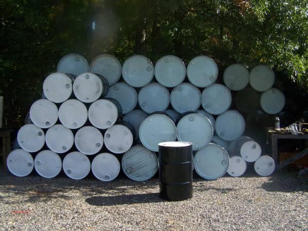 Photo Selling Rare 30  55 Gallon Barrels - $30 (Midlothian)