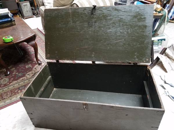 Photo Vtg Wooden Military Trunk Foot Locker Texas Trunk Co. - $35 (Oilville Exit)