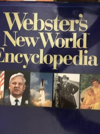 Photo Websters New World Encyclopedia - $15 (Salisbury)