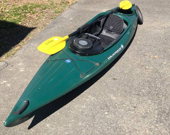 Photo Wilderness Systems Green Pungo 120 Kayak - $450