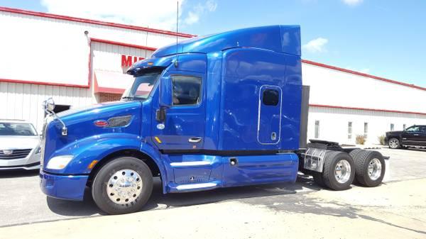 Photo 2015 Peterbilt 579 Sleeper Semi Truck APU FRDIGE  - $39900