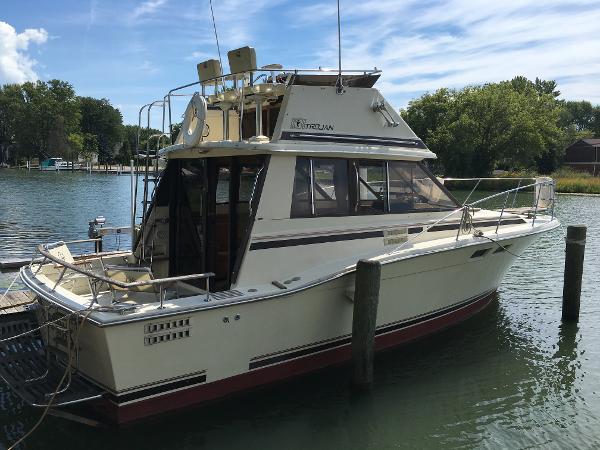 Photo Trojan F 32 boats for sale