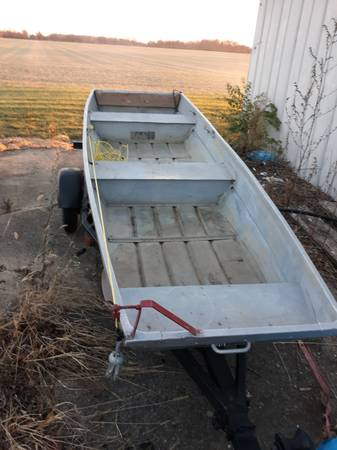 Photo 12ft Jon boat with trailer oars motor - $550 (Van wert)