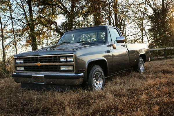 Photo 1986 Chevrolet C10 - $14500 (Connersville, IN)