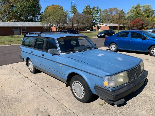 Photo 1989 Volvo 240 Wagon - $1,500 (Richmond, IN)