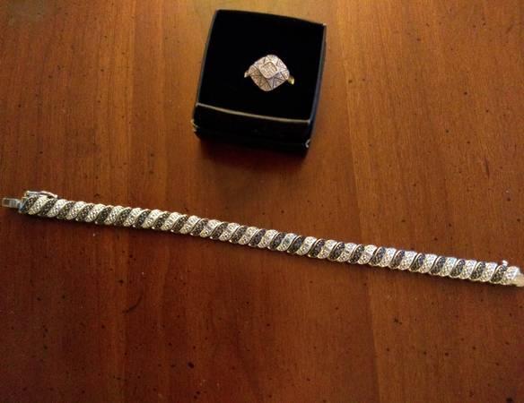 Photo 925Silver Black  White Diamond ring and bracelet - $150 (Richmond)