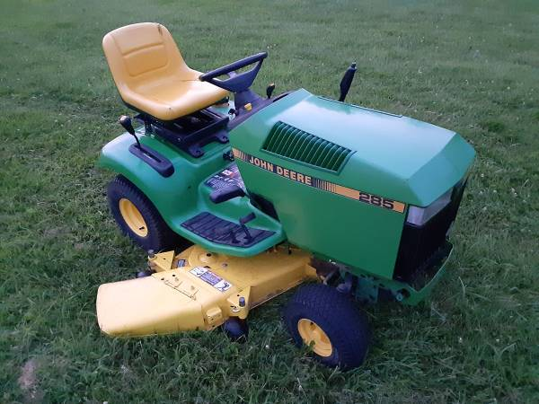 Photo JOHN DEERE LX279 LAWN TRACTOR MOWER WITH PLOW - $775 (OXFORD)
