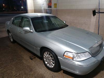 Photo LINCOLN TOWN CAR, 2007, LT ICE BLUE, ESTATE LIKE NEW $10,500 OBO - $10,500 (RICHMOND, IN)