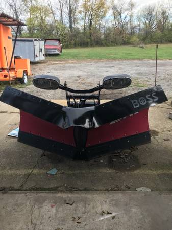 Photo New Demo 82 BOSS Poly DXT V Plow Snow Plow - $5,100