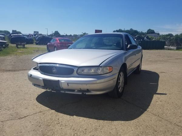 Photo Parting out 2003 Buick CenturyCall for parts (New Paris)