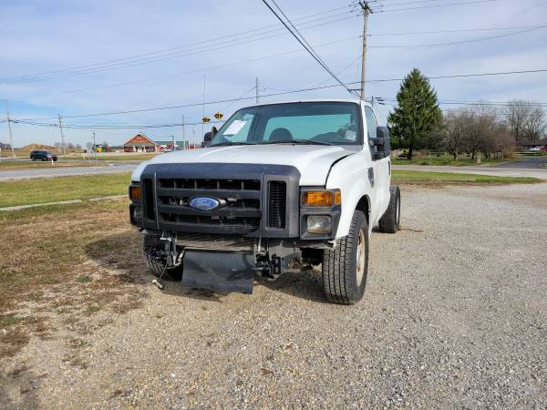 Photo Parting out 2008 Ford F-350 SDCall for parts (New Paris)