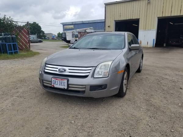Photo Parting out 2008 Ford FusionCall for parts (New Paris)