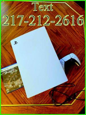 Photo Really nice consoleSony PS5-PLAYSTATION 5 - $500 (richmond, IN)