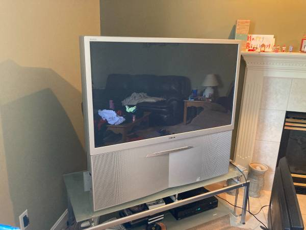 Photo Sony Projection Big Screen TV (Milford)