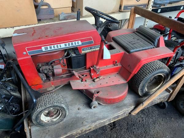 Photo Wheel horse mower - $250 (Richmond)