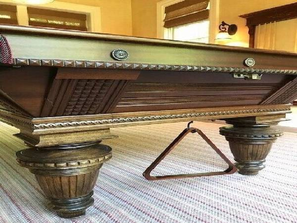 Photo Mahogany 939 table Pool Table New and PreOwn - $1014 (richmond, IN)