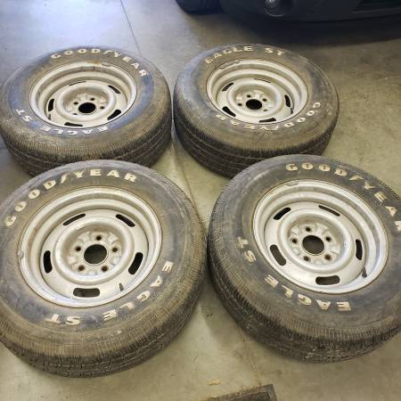 Photo 15x7 Chevy Rally wheels wtires - $300 (Rochester)