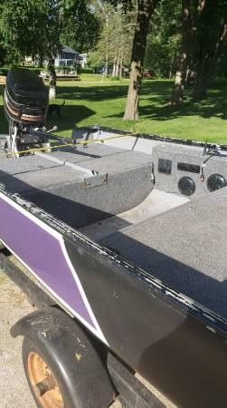 Photo 16 Foot Fishing Boat - $2,000 (Wausau)