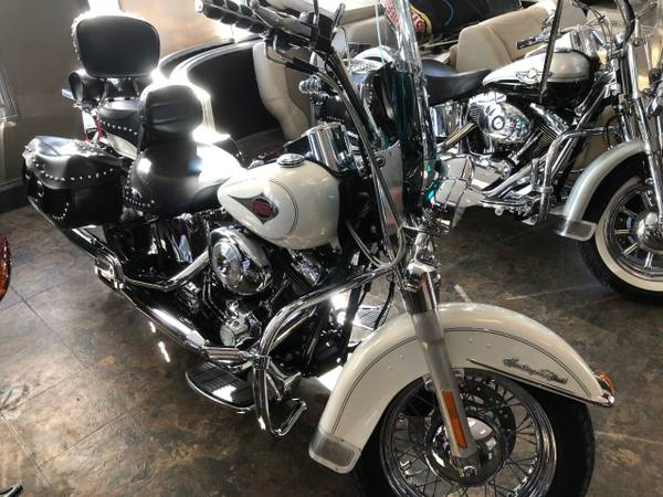 Photo 2000 Harley-Davidson FLSTC Heritage Softail classic Clean - $6,200 (2301 HWY 61)