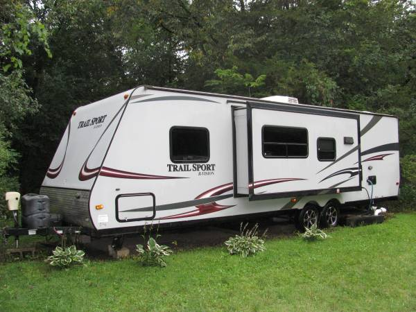 Photo 2013 R-Vision Trail Sport 27bhs on site at Lazy D Cground near Elba - $14,000 (St Charles)