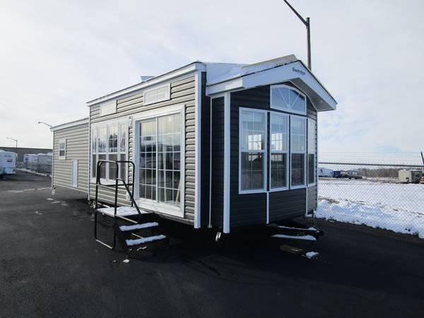 Photo 2021 Forest River RV Quailridge 39FLSB Park Model - $54,000 (Oak Lake RV Sale, Moose Lake MN)