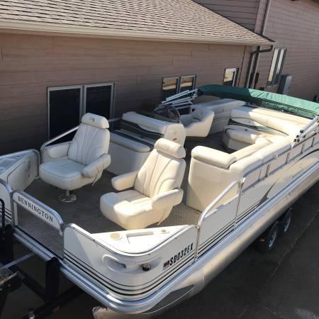 Photo 2239 BENNINTON FishCruise Pontoon Boat 60 HP EFI 4-STROKE Bunk Trailer - $17900 (Remer, MN)
