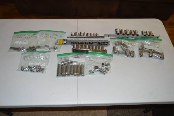 Photo Craftsman sockets 14, 38 12 inch drives - $100 (St Charles)