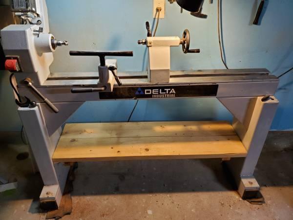 Photo Delta 2 HP wood lathe - $1500 (Houston)