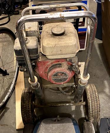 Photo Graco 5000 GM 5 HP Honda Engine Paint Sprayer - $349 (Rochester)