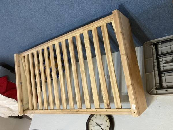 Photo IKEA Loft Bed - $85 (Byron)